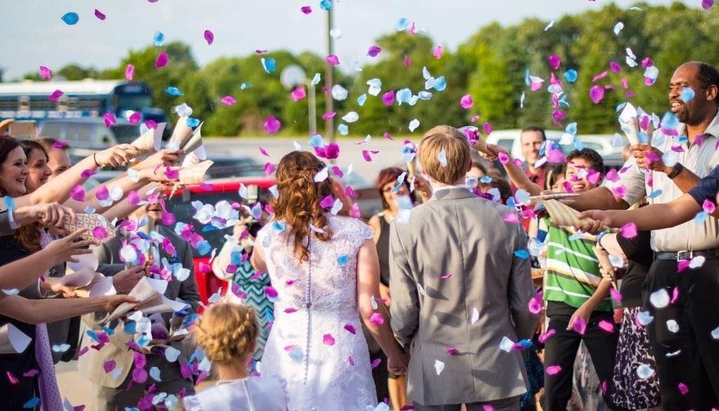 Bräuche zur Hochzeit | 7 bekannte Traditionen im Überblick